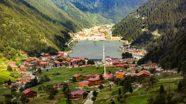 uzungol trabzon turkey green mountains lake