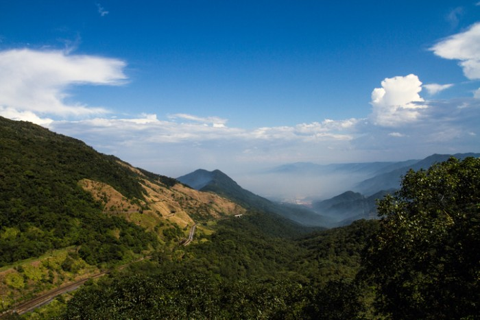 Sierra of Paranapiacaba with some fog, in a sunny day.