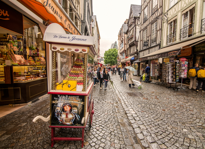 Rouen, Francia. July 4, 2014. A sweet shop dedicated to Joan of Arc at the center of Rouen, near the square where the heroine was burned alive.