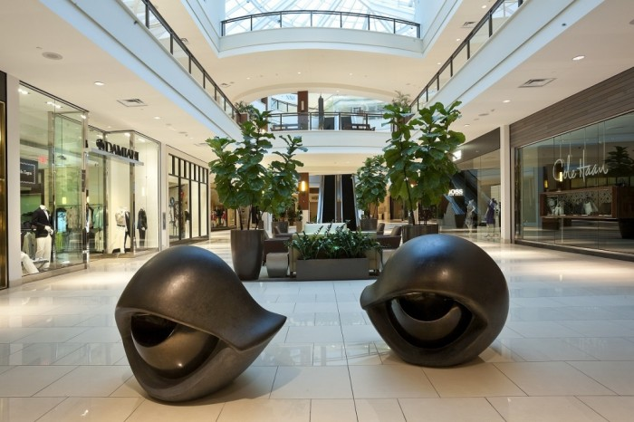 aventura-mall_artwork-by-louise-bourgeois_eye-benches-p