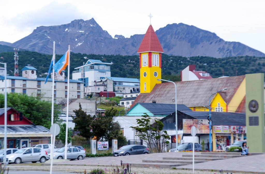 Parece até uma maquete a linda cidade de Ushuaia.