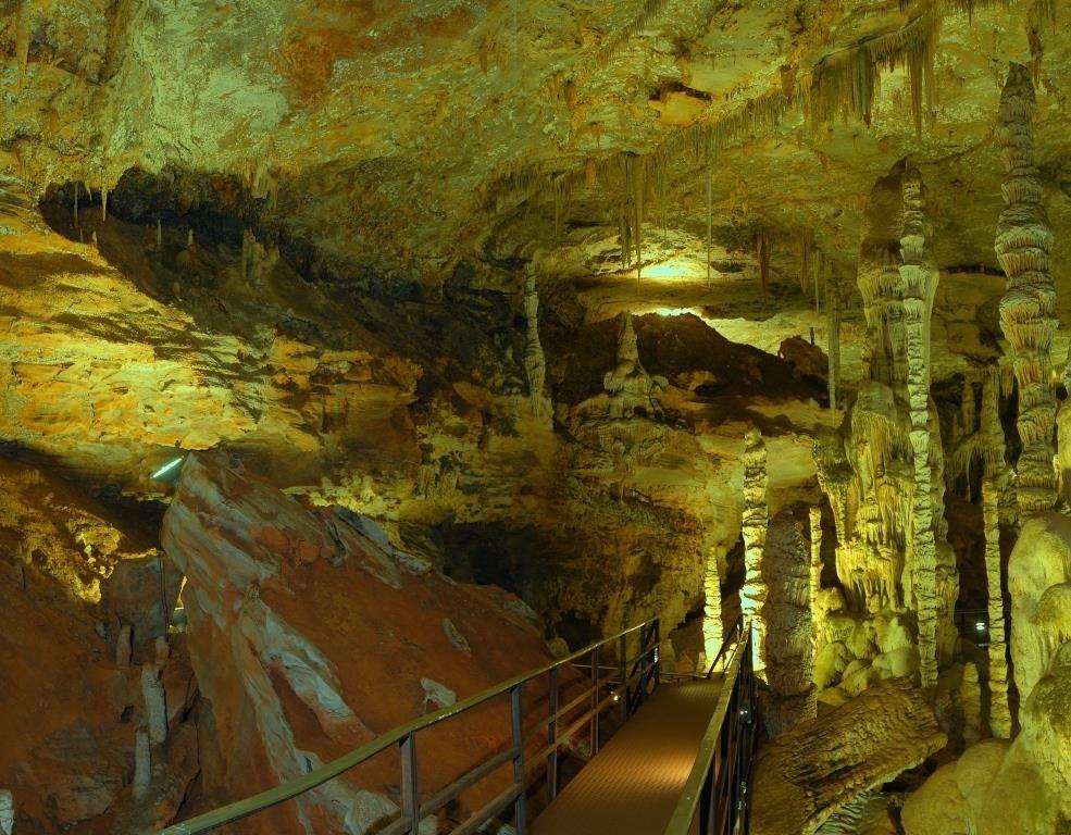 gruta-rei-do-mato-sete-lagoas-credito-acervo-setur-mg-xara