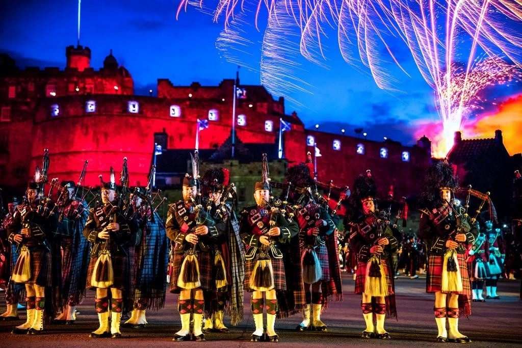 the-royal-edinburgh-military-tattoo-credit-andrewpickettphoto-com