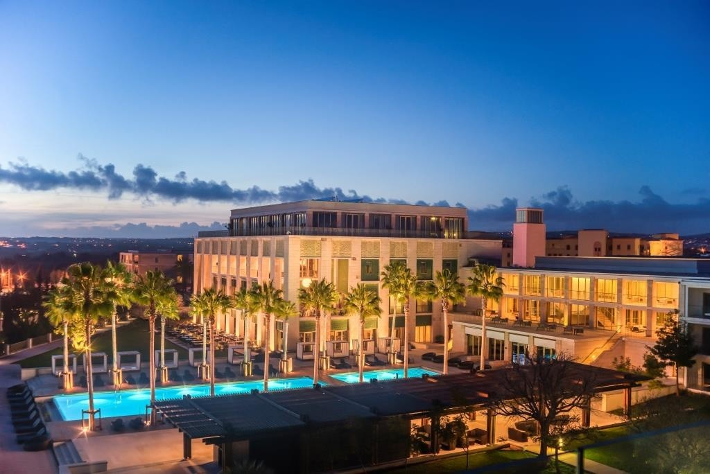 anantaravilamoura_resort_overview_evening_01