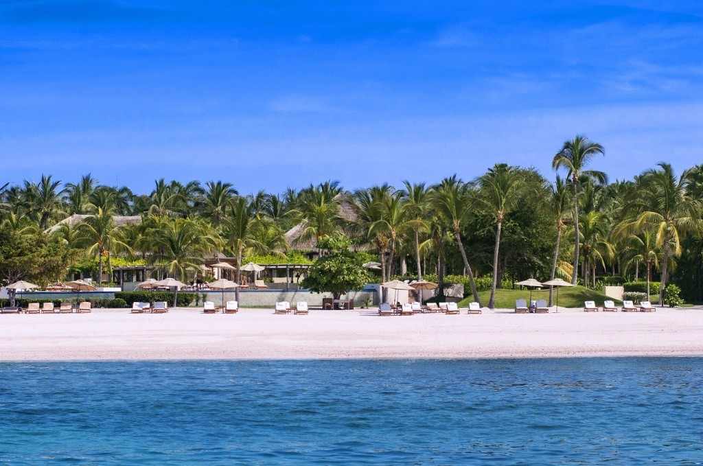 the-st-regis-punta-mita-resort-beach-view1