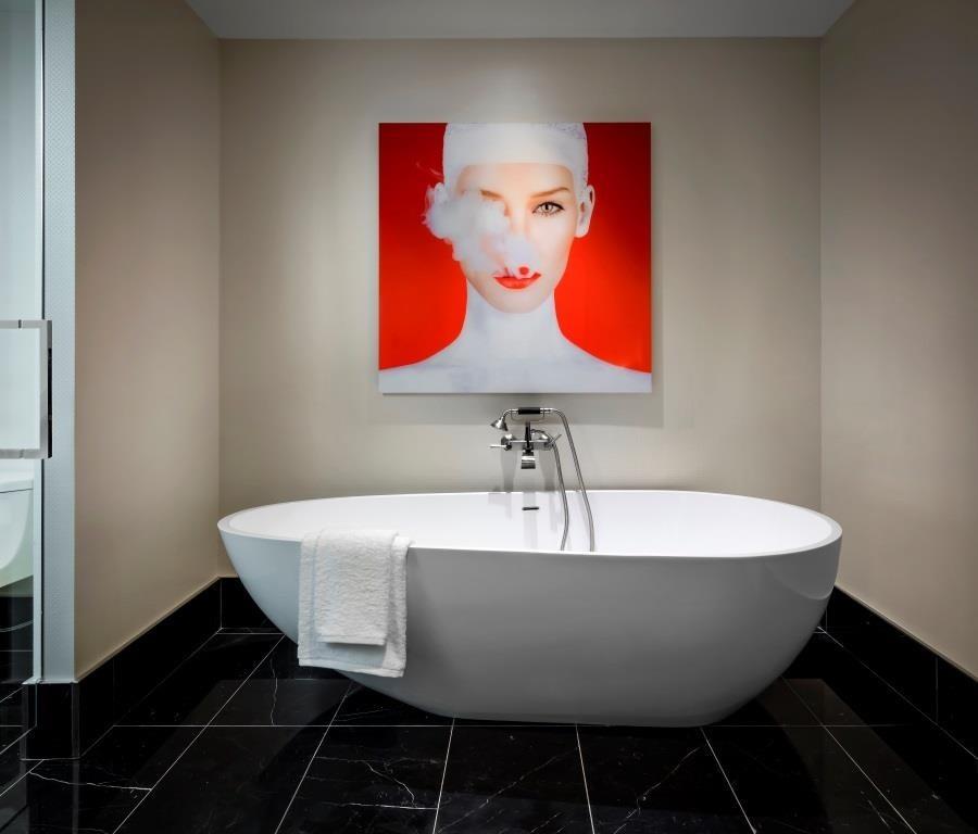 bisha_bathtub