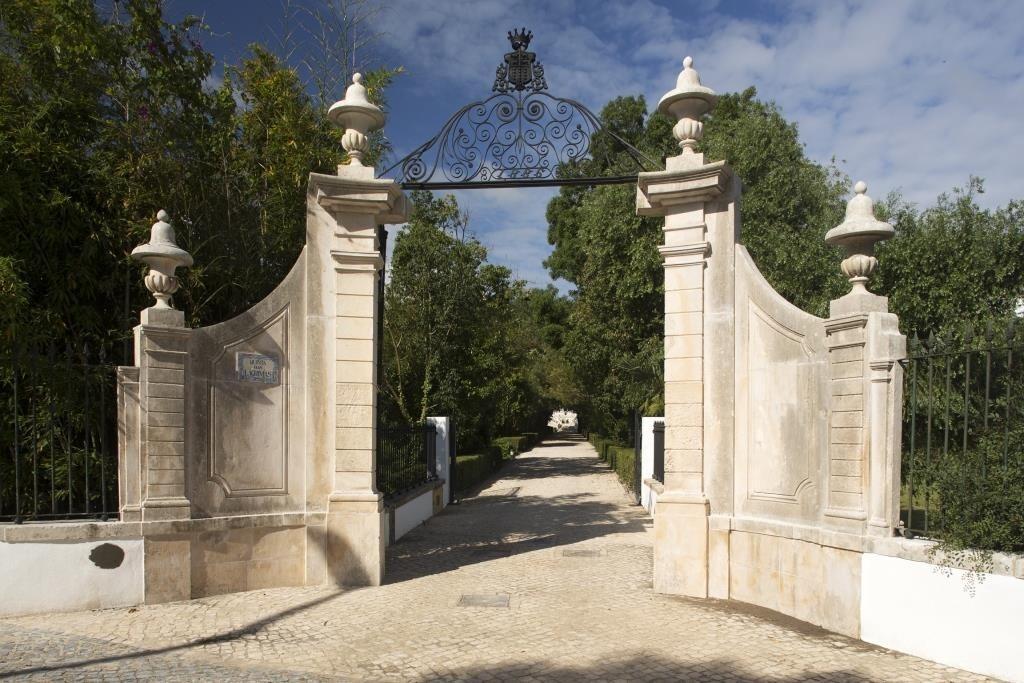 entrada-do-hotel-quinta-das-lagrimas-_-creditos_-visit-centro