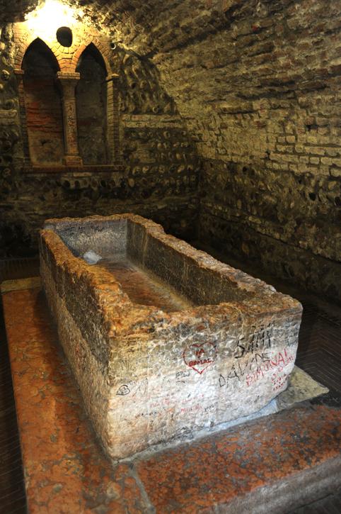 Juliet's tomb in Verona on Italy