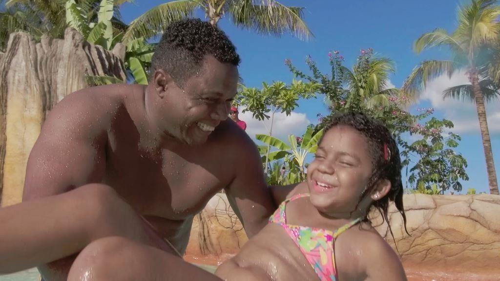 hot-beach-olimpia-pais-e-filhos