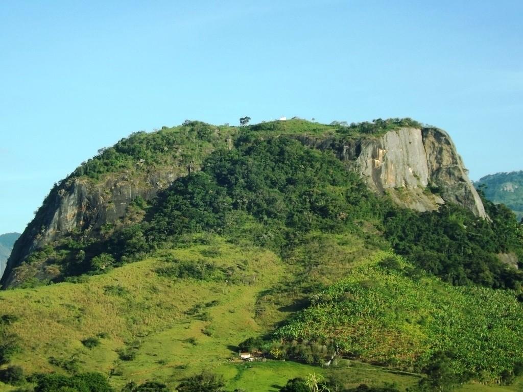 pedra-do-cruzeiro-goncalves-fernando-costa-1024x768