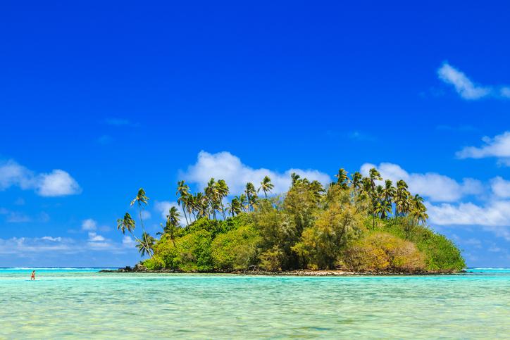 Island in the Muri lagoon, Rarotonga, Cook Islands