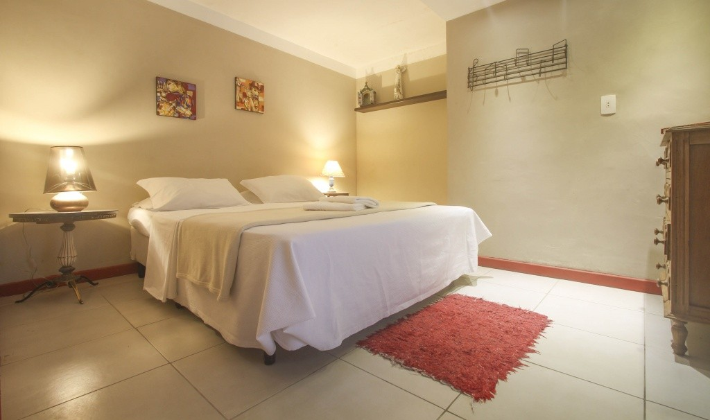 guest-house-solar-do-cosme-suite-credito-travel-tall-em-baixa
