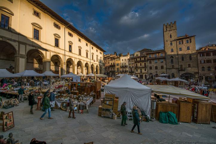 piazza grande Arezzo fiera dell antiquariato