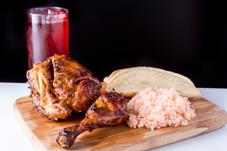 Chicken Meat, Chicken - Bird, Roasted, Whole, Table, arroz, agua de jamaica, comida corrida