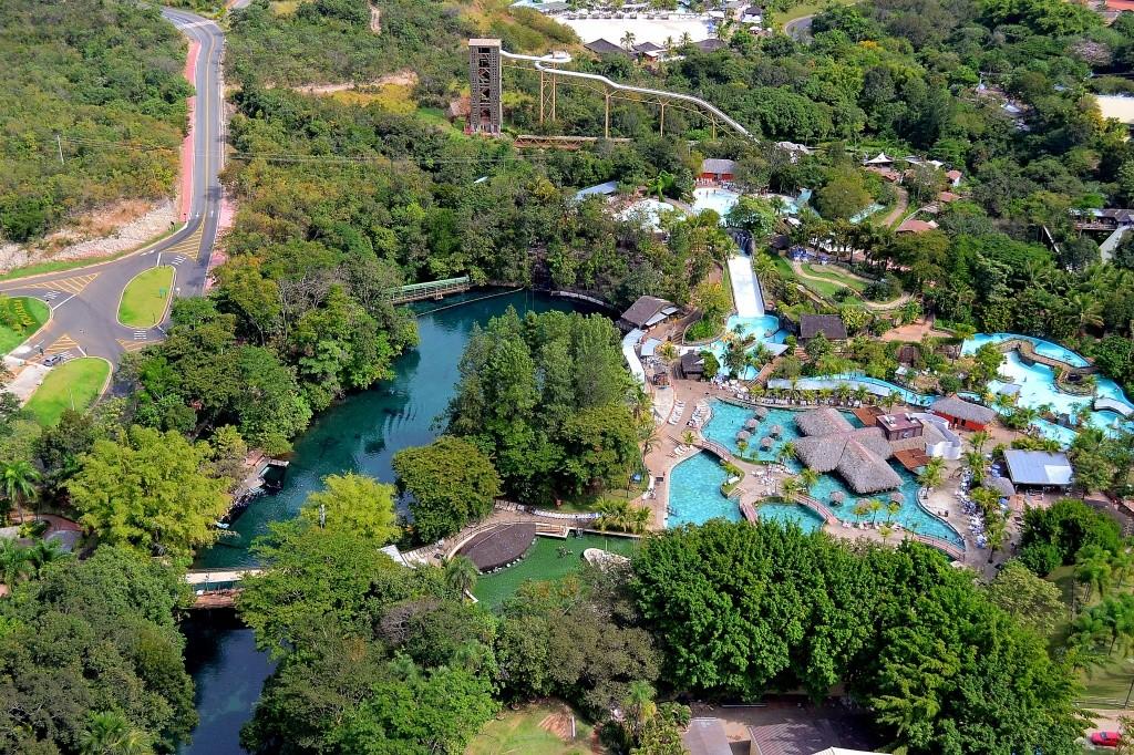 rio-quente-resorts