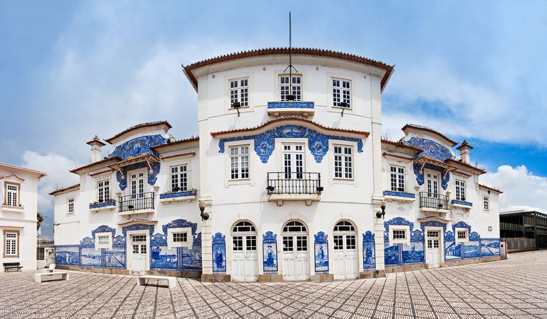 AVEIRO, PORTUGAL - JULY 02: Aveiro train station decorated with azulejo on July 02, 2014 in Aveiro, Portugal