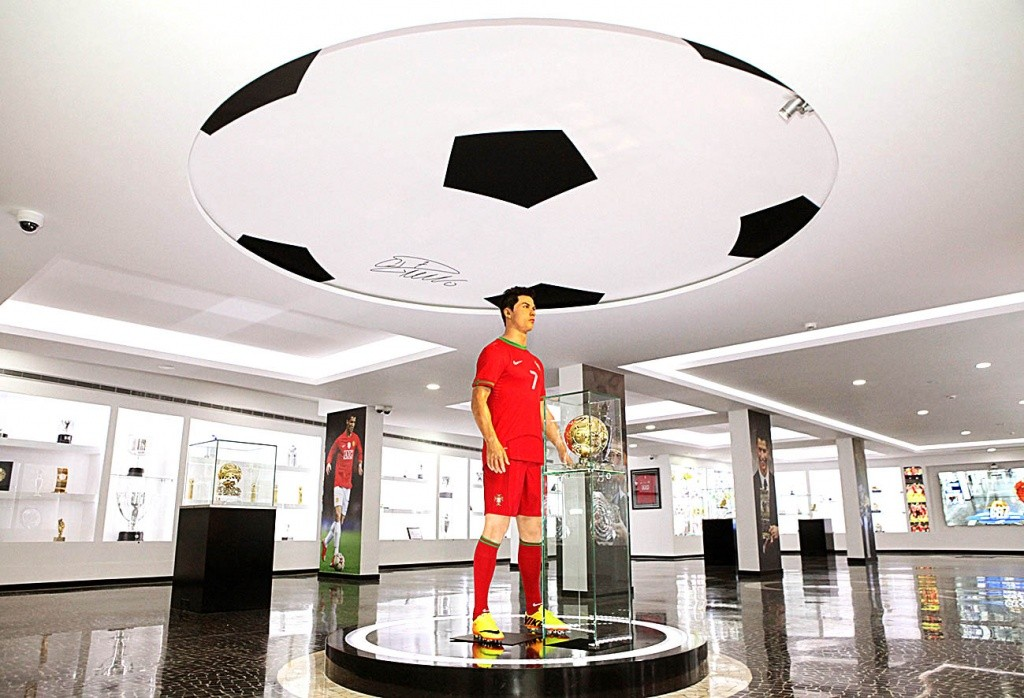 museu-cr7-bola-de-ouro-fifa-credito-turismo-da-madeira