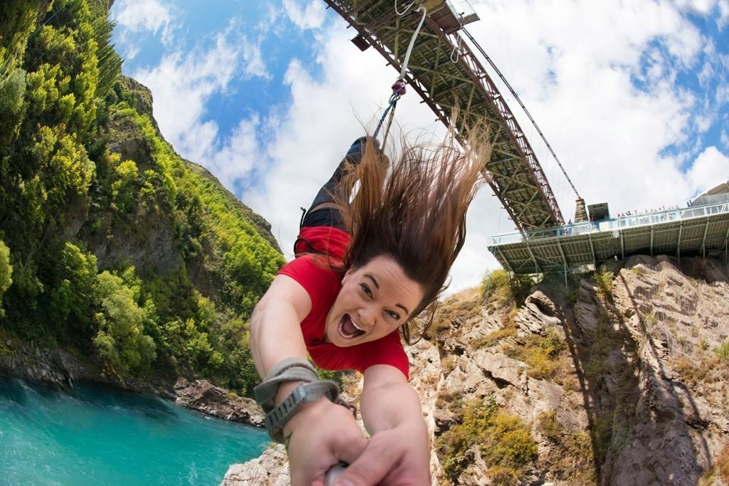 3-bungy-jump-na-ponte-kawarau-foto-aj-hackett-bungy-new-zealand