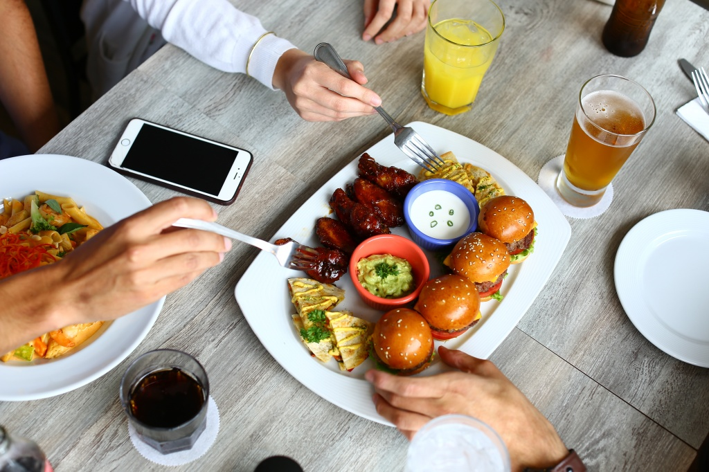 82157374-h1-restaurante_la_plaza5