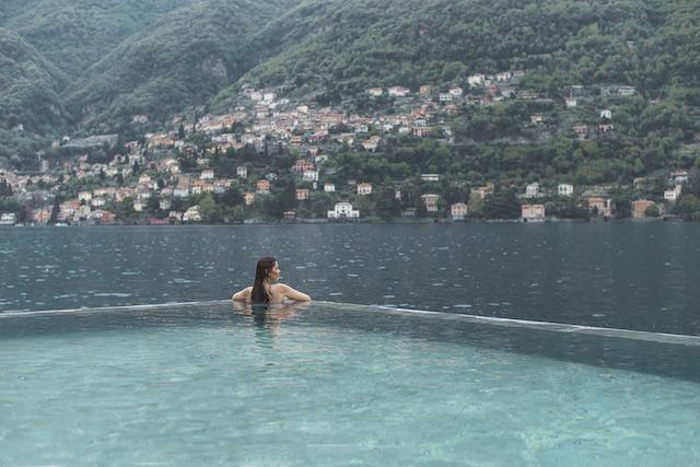 Melhores piscinas de borda infinita