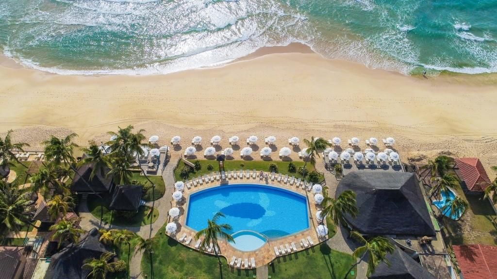 05-aerea-piscina-da-praia-hotel-armacao-porto-de-galinhas
