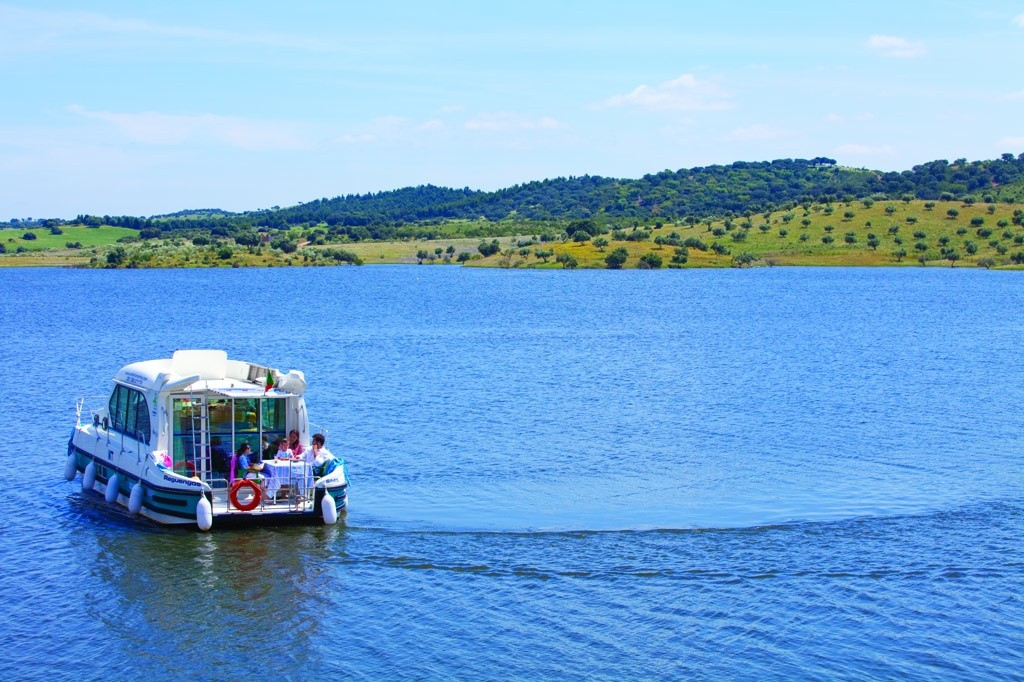passeio-de-barco-alqueva-credito-turismo-do-alentejo