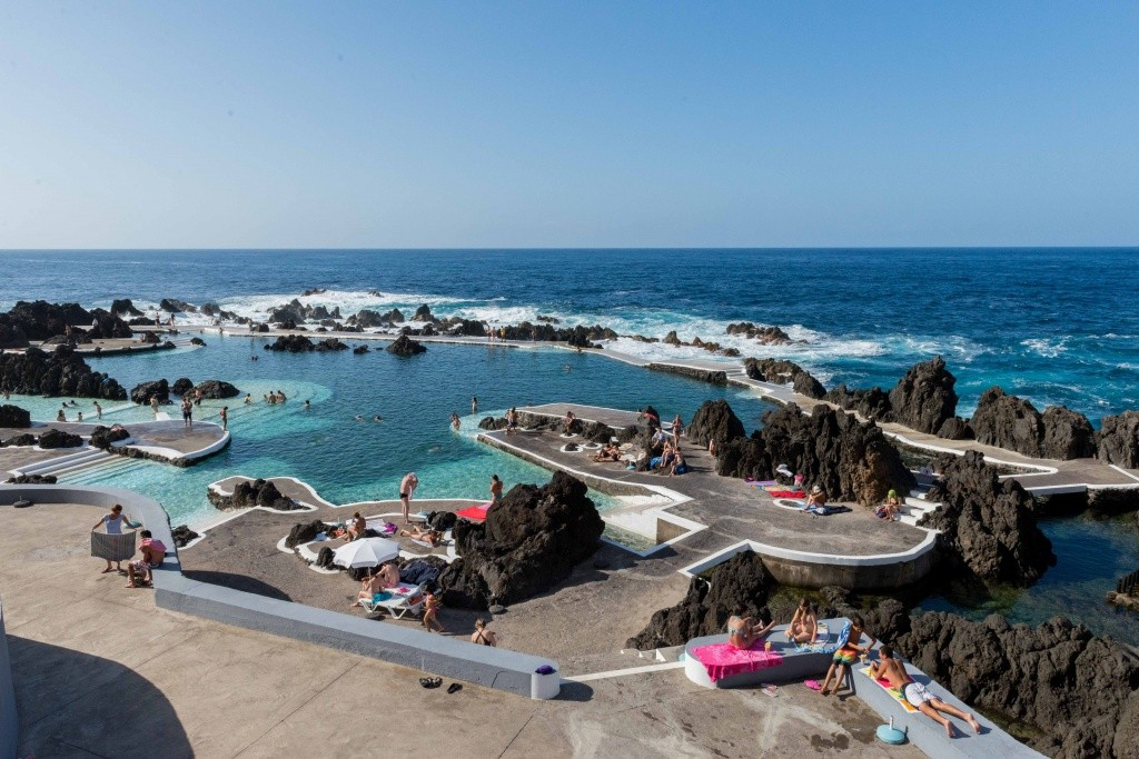 porto-moniz-piscinas-naturais-municipais-creditoturismodamadeira