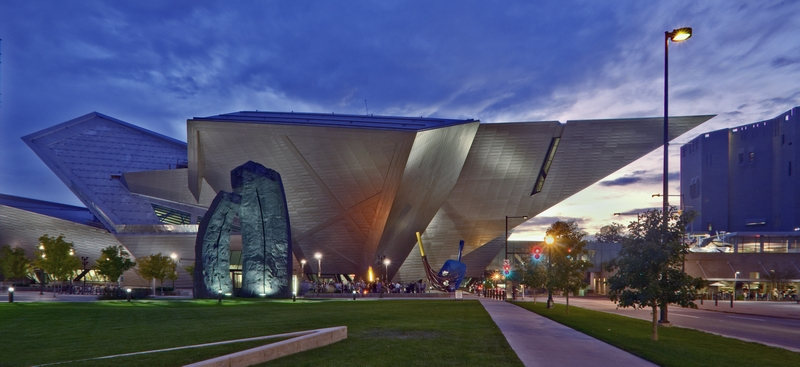 hamilton-building-and-north-building-at-night-photo-courtesy-of-the-denver-art-museum-photography-department