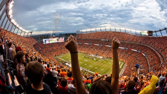 sports-authority-field-fans-foto-visit-denver