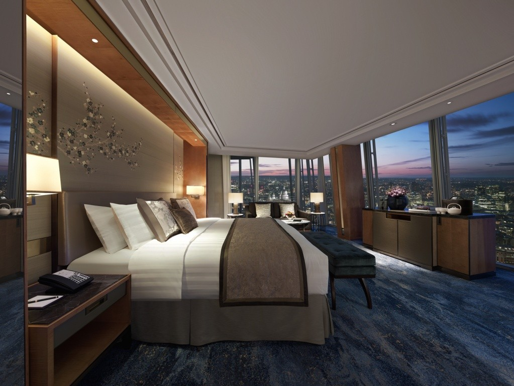 iconic-city-view-room-st-pauls-view-shangri-la-hotel-at-the-shard-london
