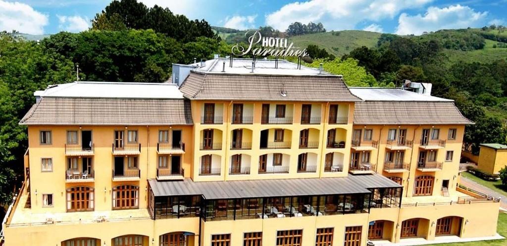 hotel-paradies-fachada-4