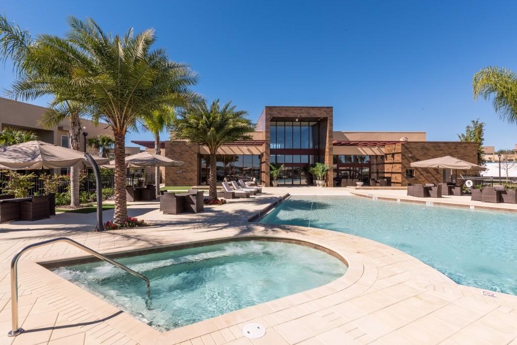 pool-daytime-1