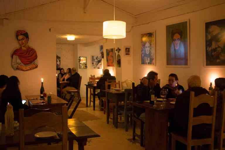 Foto por reprodução casazulbistrolatino.com.br