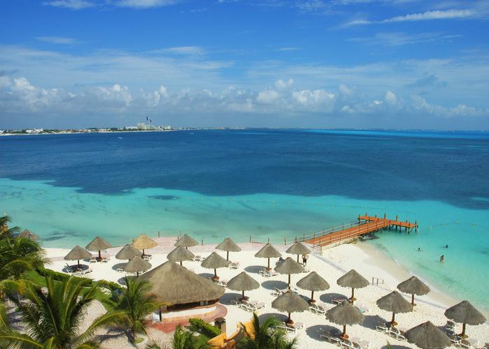 Foto via iStock por Cancun, México