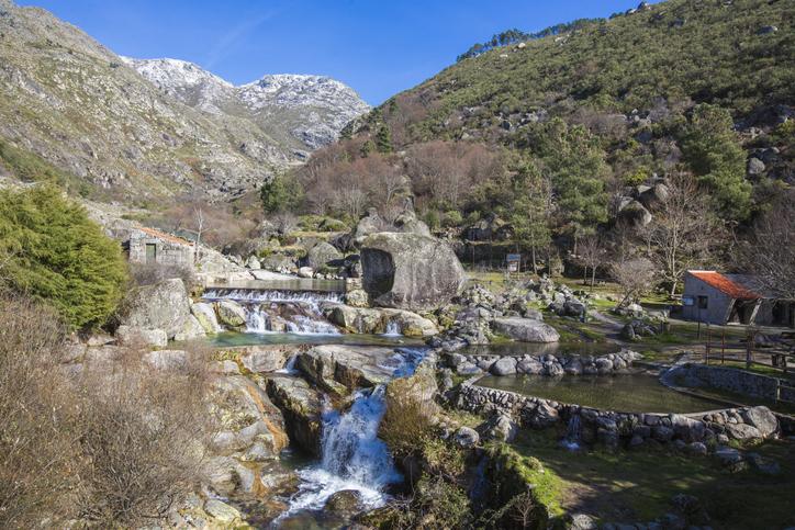 Situada na Louriga, a 18 Km de Seia, no distrito da Guarda, a Praia Fluvial de Loriga é uma espécie de santuário para os amantes da natureza.