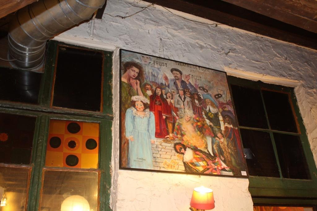 Decoração do bar Toone, em Bruxelas