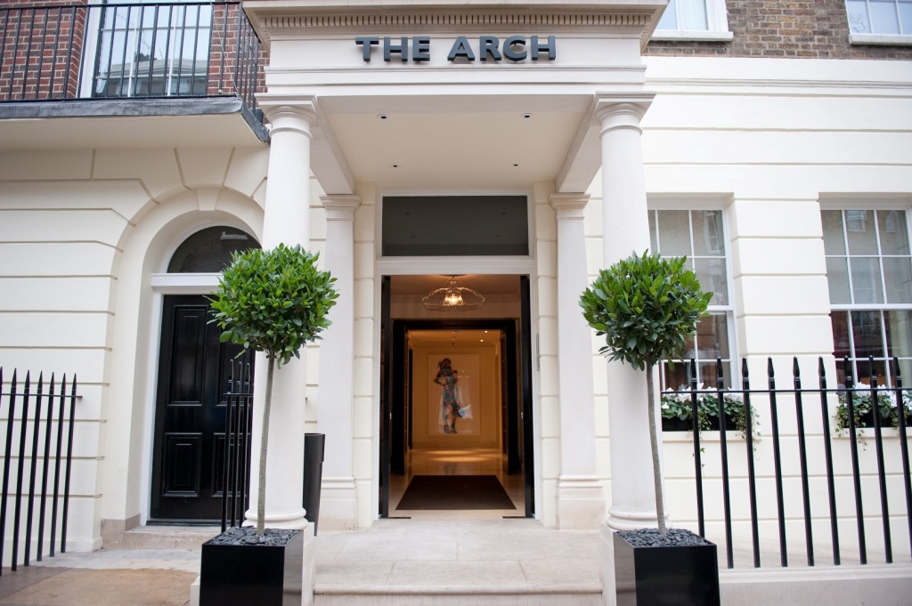 the-arch-london-entrance-3