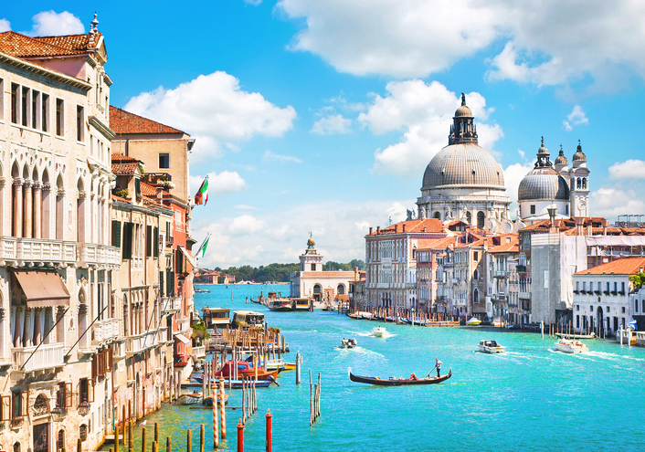 Canal Grande and Basilica di Santa Maria della Salute, Venice, Italy