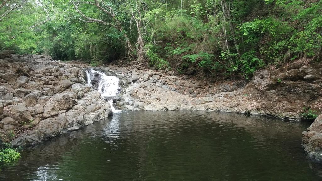 foto-9-piscina-natural-em-rio-no-distrito-de-tambor