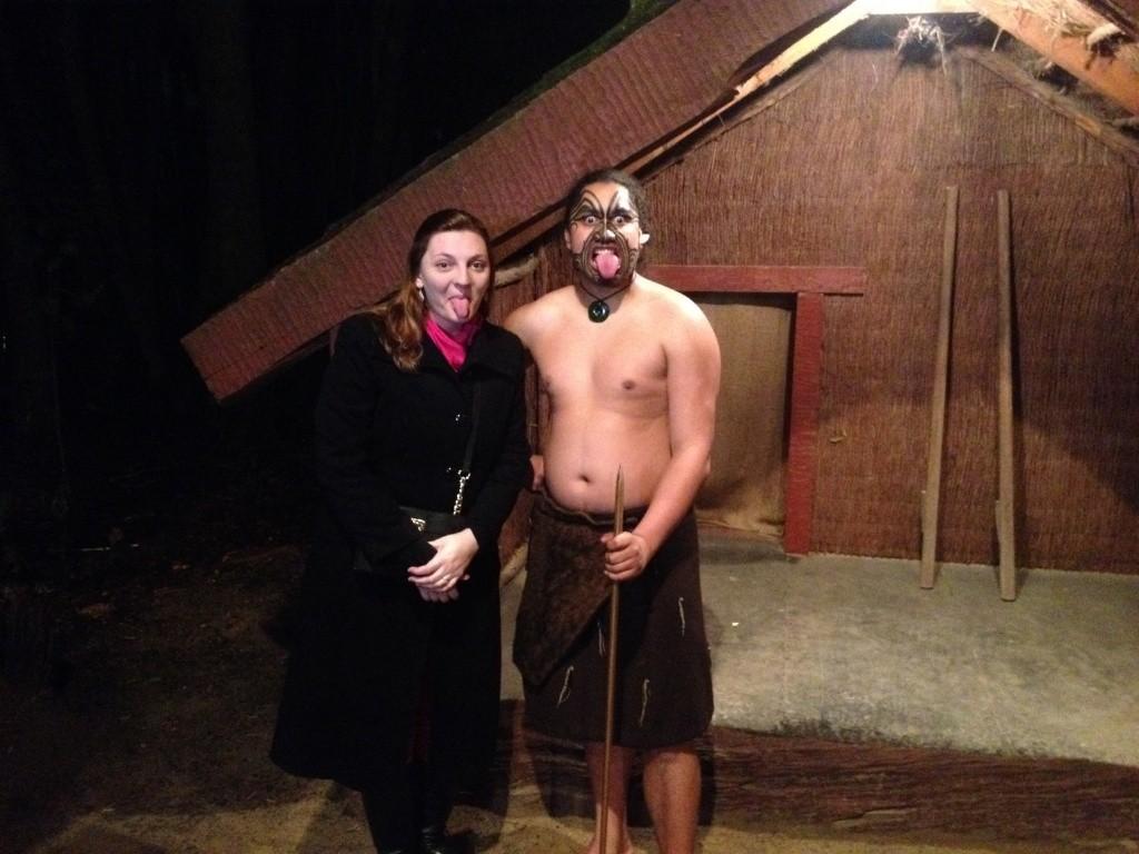 Leda De Luca em uma tribo maori na Ilha Norte d Nova Zelândia