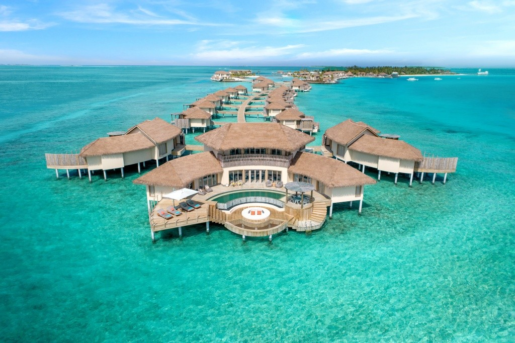 intercontinental-maldives-aerial-view-overwater-residence