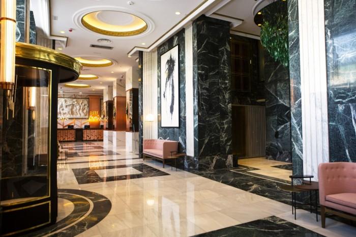zes_19_117-reception_lobby