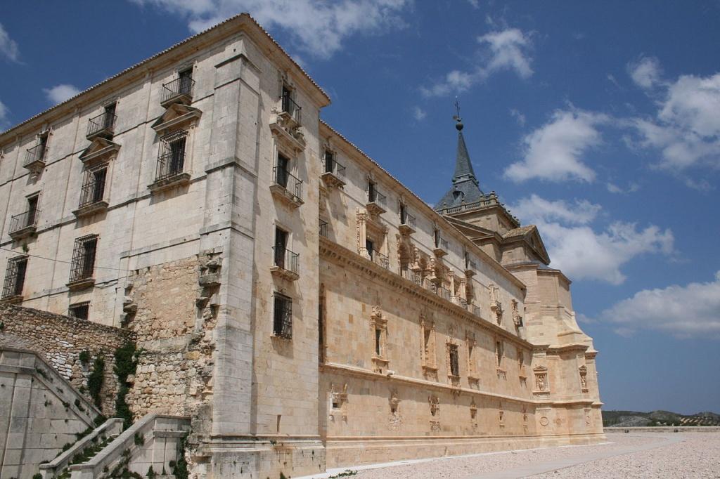 Mosteiro de Uclés, em Cuenca, Espanha. Foto Creative Commons