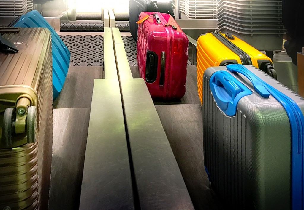 colourful-suitcases