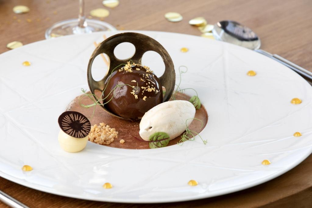 Creme de Avelã de Chocolate e Caramelo de Amendoim e Gelado Nougat.