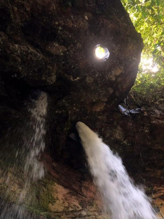 cachoeira-pedra-furada