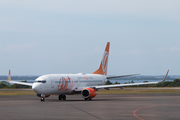 Boeing 737-800 (PR-GGM) aircraft of the brazilian company Gol Airlines, taxiing at Santarem Airport (SBSN).