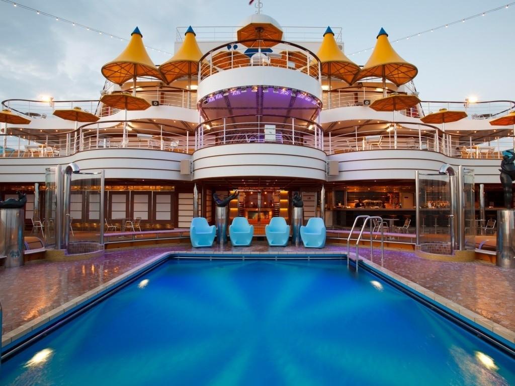 costa-fascinosa-piscina-1024x768