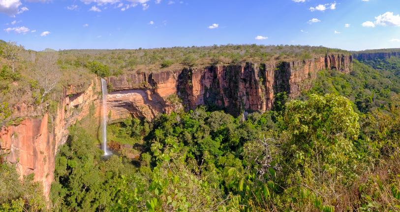 Beautiful Bridal Veil, Veu Da Noiva waterfall in Chapada Dos Guimaraes National Park, Cuiaba, Mato Grosso, Brazil, South America