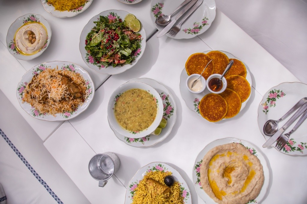 dtcm-ramadan-arabain-tea-house-emirati-food